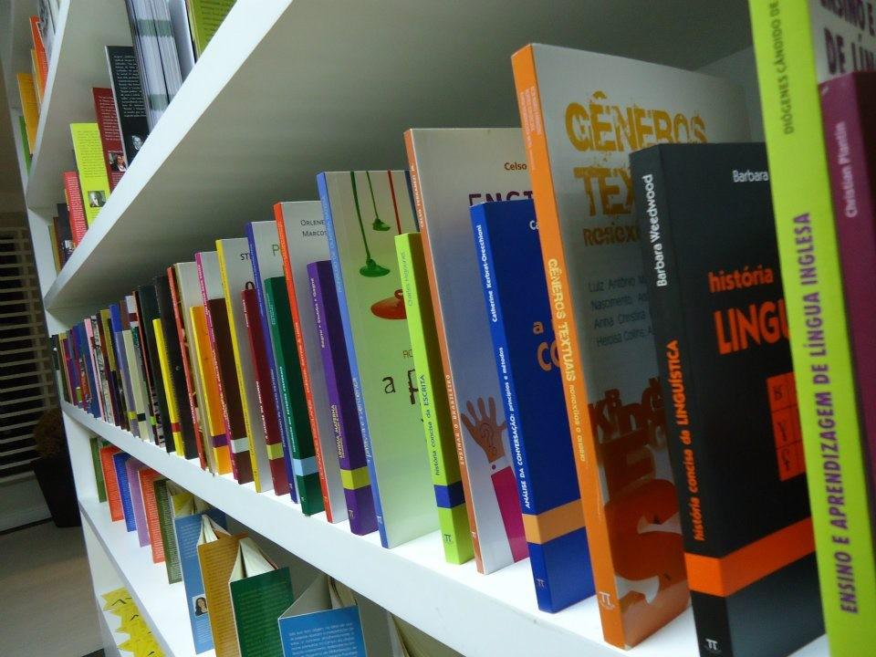 O mercado editorial para formação em Letras